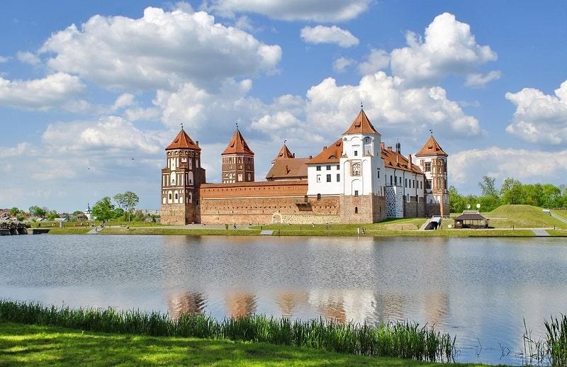 что посмотреть в Беларуси - Мирский замок
